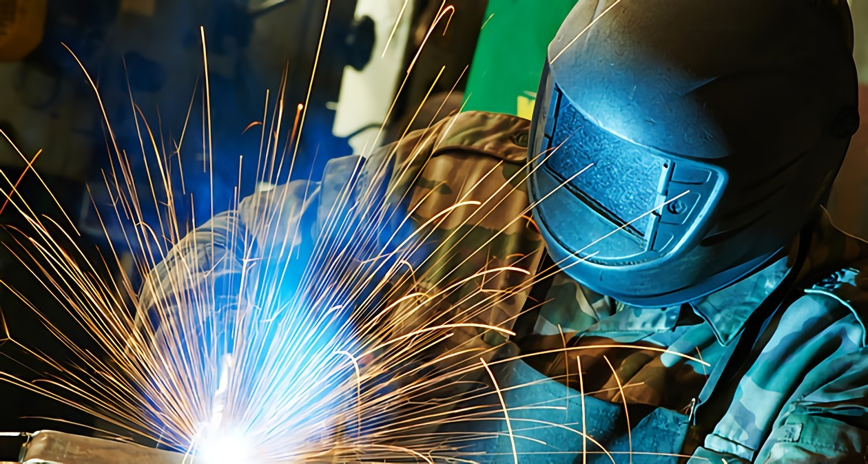 Career Comparison Welder vs Machinist – Machinist Job Outlook
