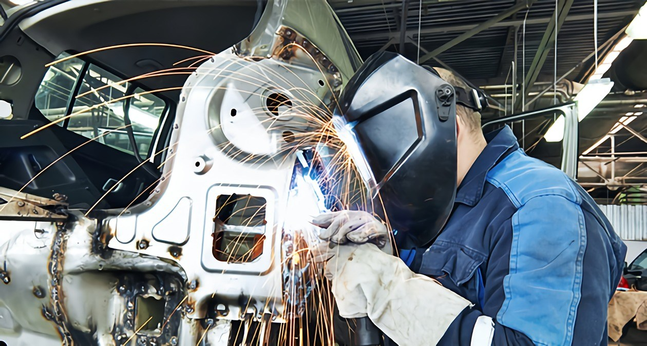 does the auto industry still need welders