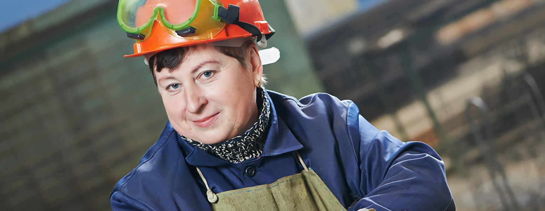 female welder in hard hat