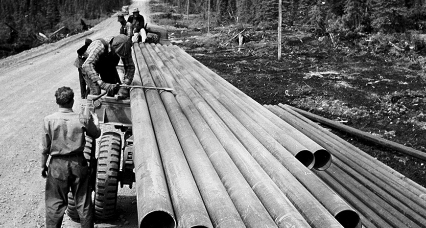 laying pipeline