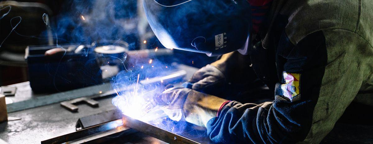 welder using mig welding